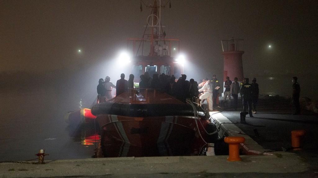 Több mint 900 menekültet és migránst mentett meg a spanyol parti őrség