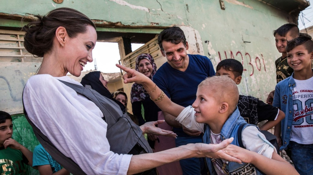 Angelina Jolie ENSZ-különmegbízott szíriai menekülteket látogatott meg