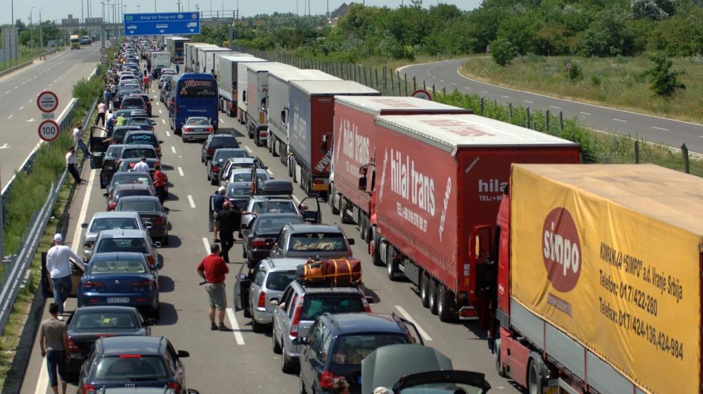 Szünetel a határforgalom-ellenőrzés a Tiszaszigetnél