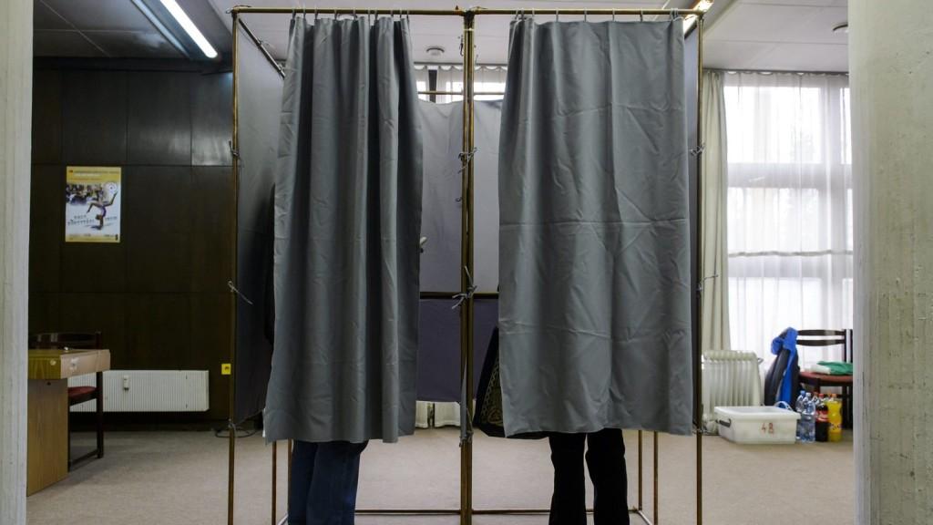 Elkezdődtek a parlamenti választások Lengyelországban