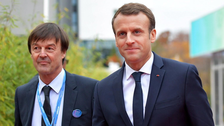 Emmanuel Macron francia elnök (j) és Nicolas Hulot környezetvédelmi miniszter (MTI/EPA/Thorsten Wagner)