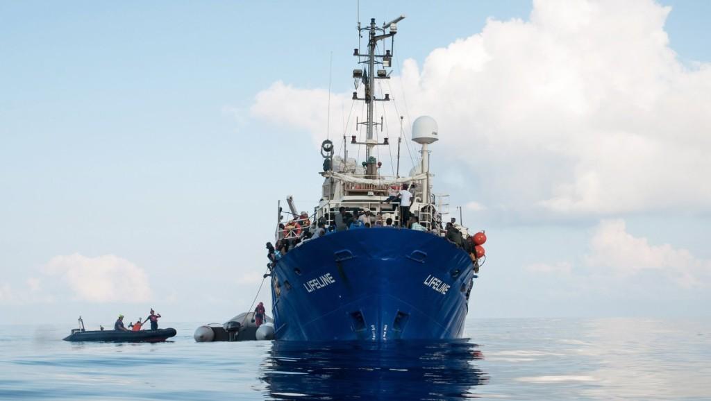 Spanyolország sem engedi kikötni a német mentőhajót