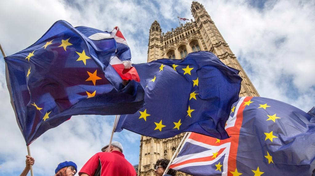 May: Újabb népszavazás lehet a Brexitről