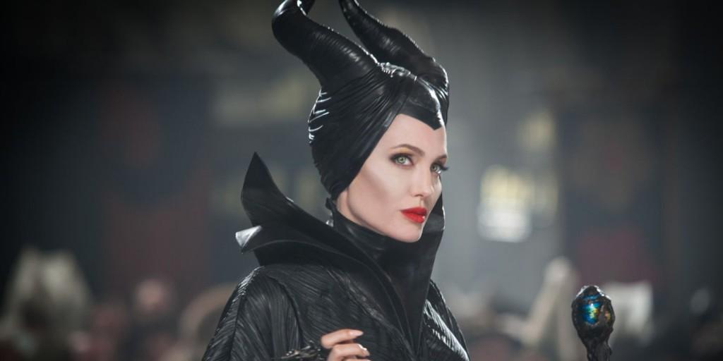 Angelina Jolie maga mögé utasította Joaquin Phoenixet és Will Smith-t is