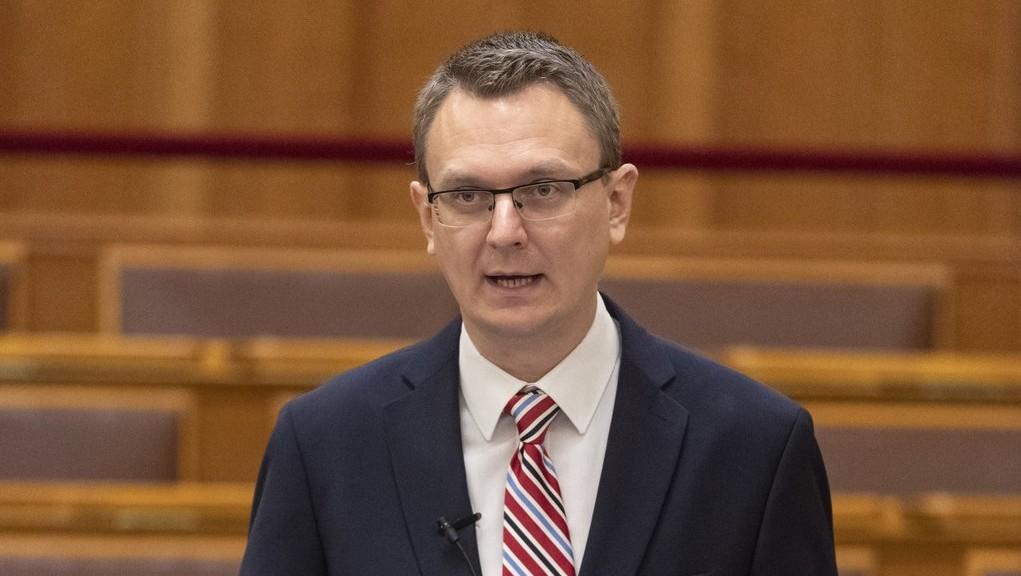Rétvári Bence, az Emberi Erőforrások Minisztériumának parlamenti államtitkára (MTI/Szigetváry Zsolt)