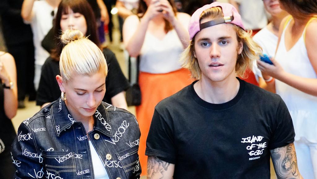Micsoda áldozat! Justin Bieber megszabadult a bajuszától