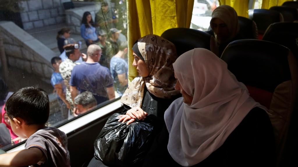 Több százezer menekült tért vissza szíriai otthonába
