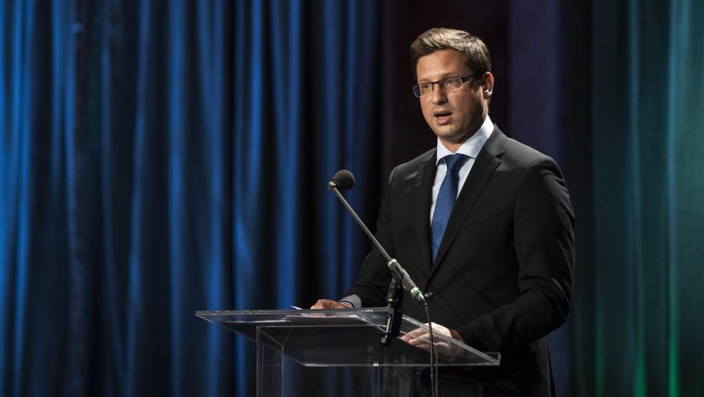 Gulyás: Magyarország erős és sikeres szomszédos államokban érdekelt