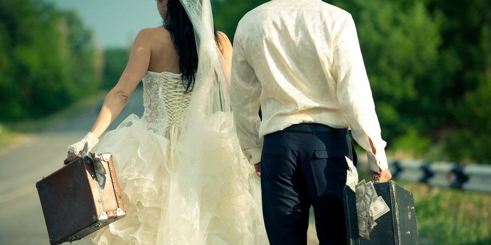 Néhány perccel az esküvőjük után érte halálos baleset a fiatal szerelmeseket