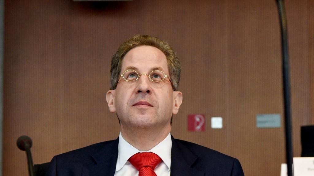 Új feladatot kap a német alkotmányvédelem vezetője