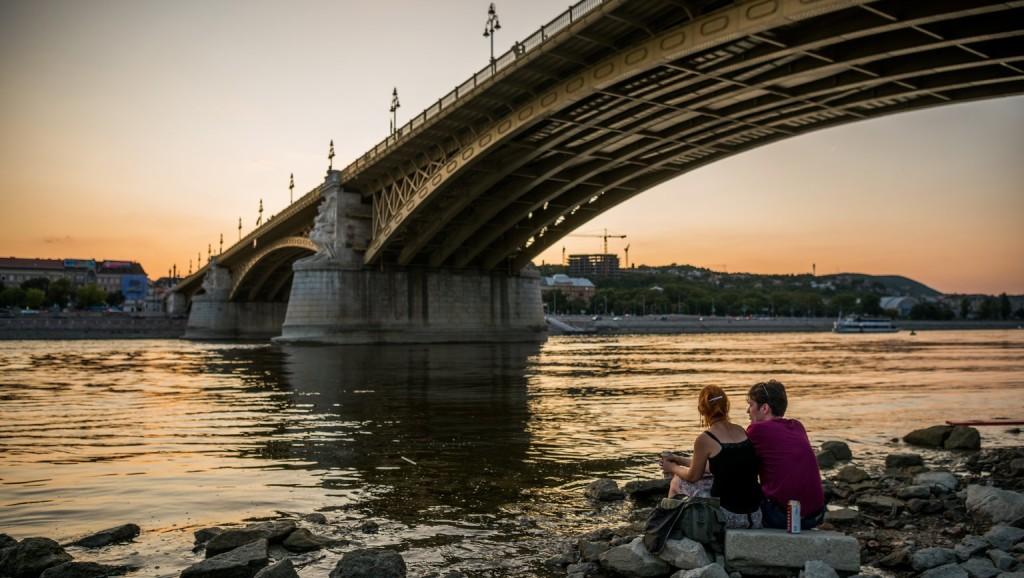 A Margit híd mosása során sávlezárásra számíthat
