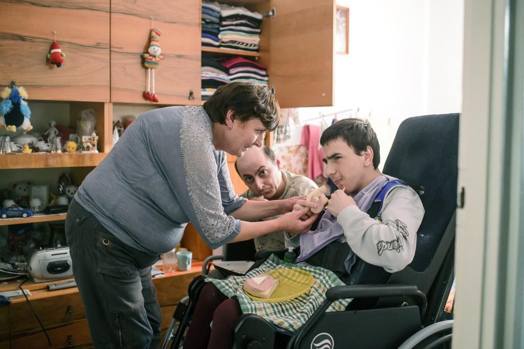 Az otthonápolási díj emelését követeli az LMP