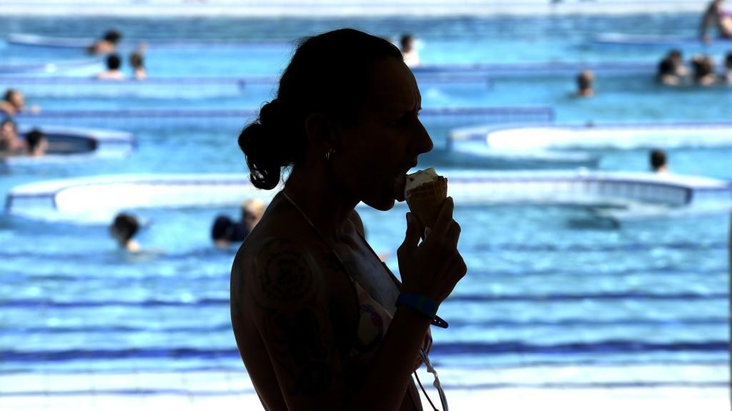 Hőségriadók nélkül is nőtt a fővárosi strandok forgalma