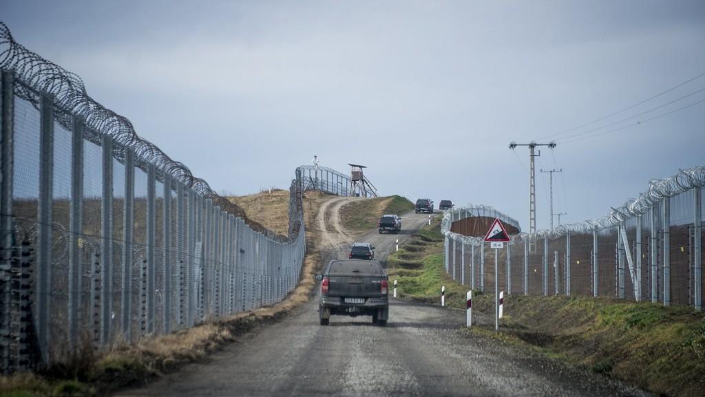 Videó: Újabb migránscsoport próbált átjutni a szerb-magyar határon