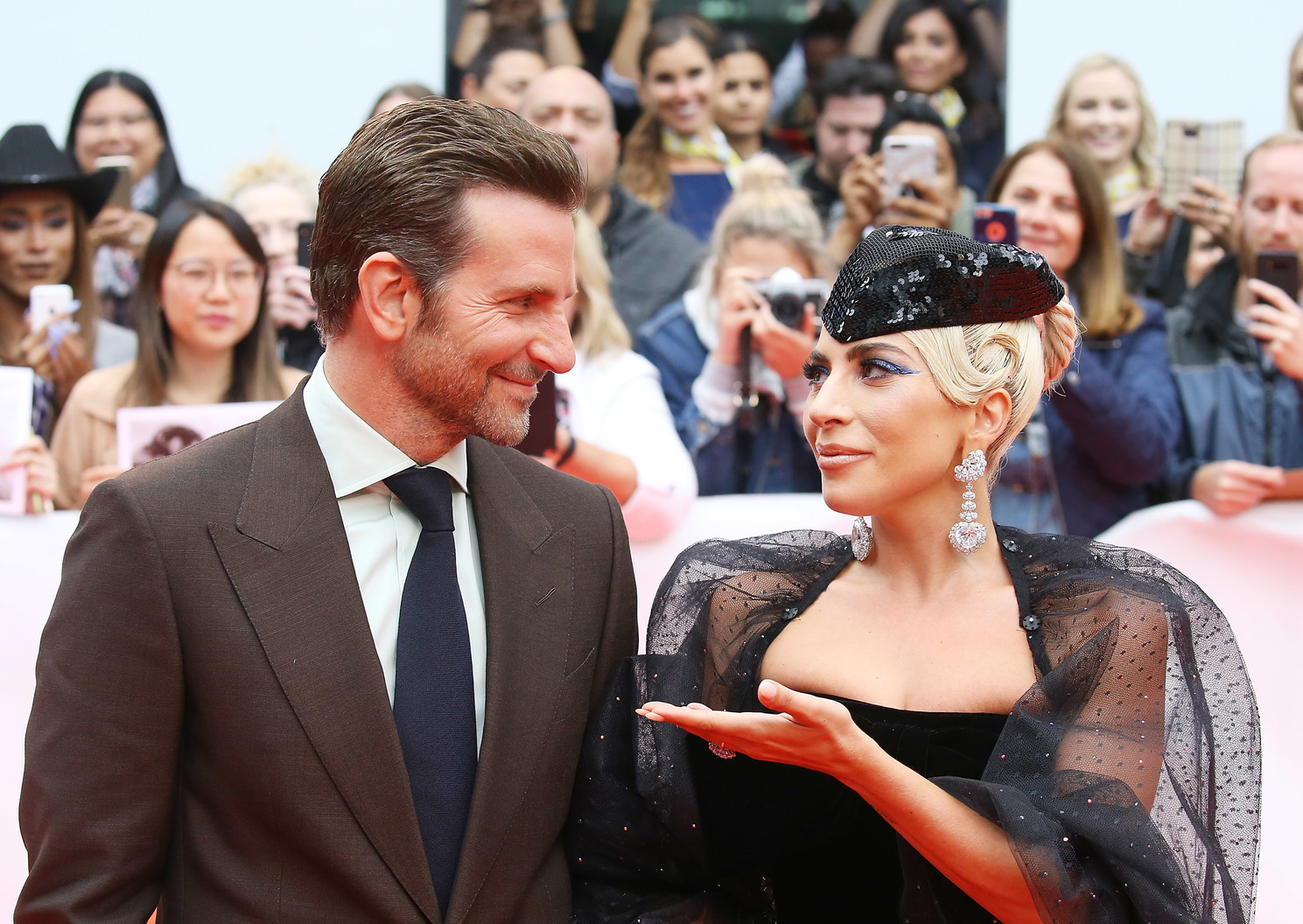 Bradley Cooper és Lady Gaga (Fotó: Getty Images/Michael Tran)