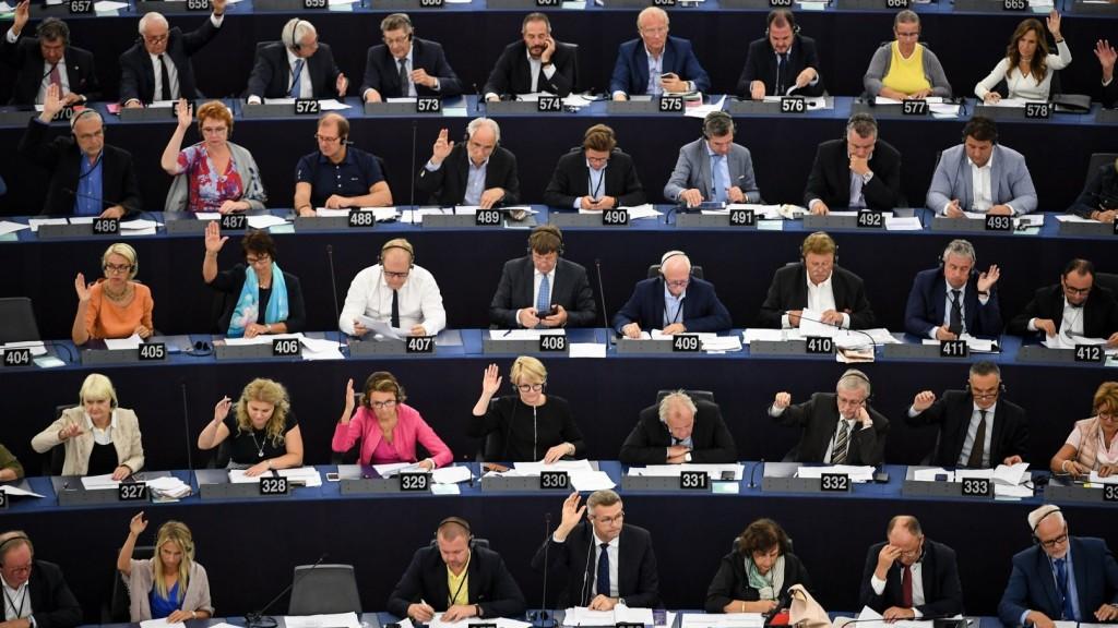 Kampányt indít a kormány a Sargentini-jelentéssel szemben
