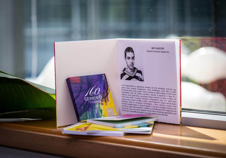 Réti Kristóf a Gerbaud számára tervezett művészi csomagolása