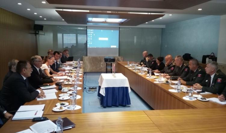 Határ menti rendőri együttműködésről tárgyaltak Pozsonyban