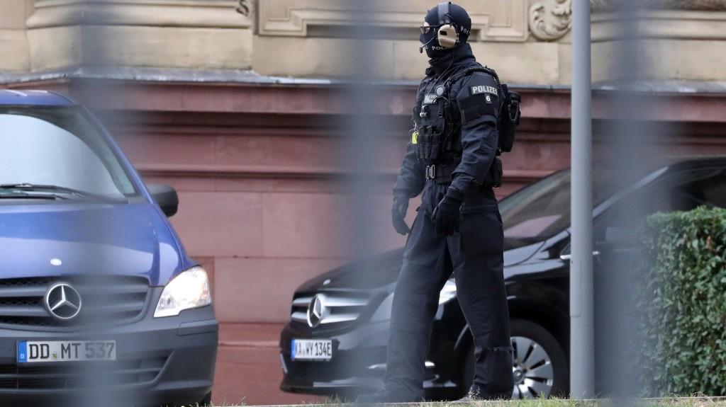 Bombafenyegetés ért több mecsetet Németországban