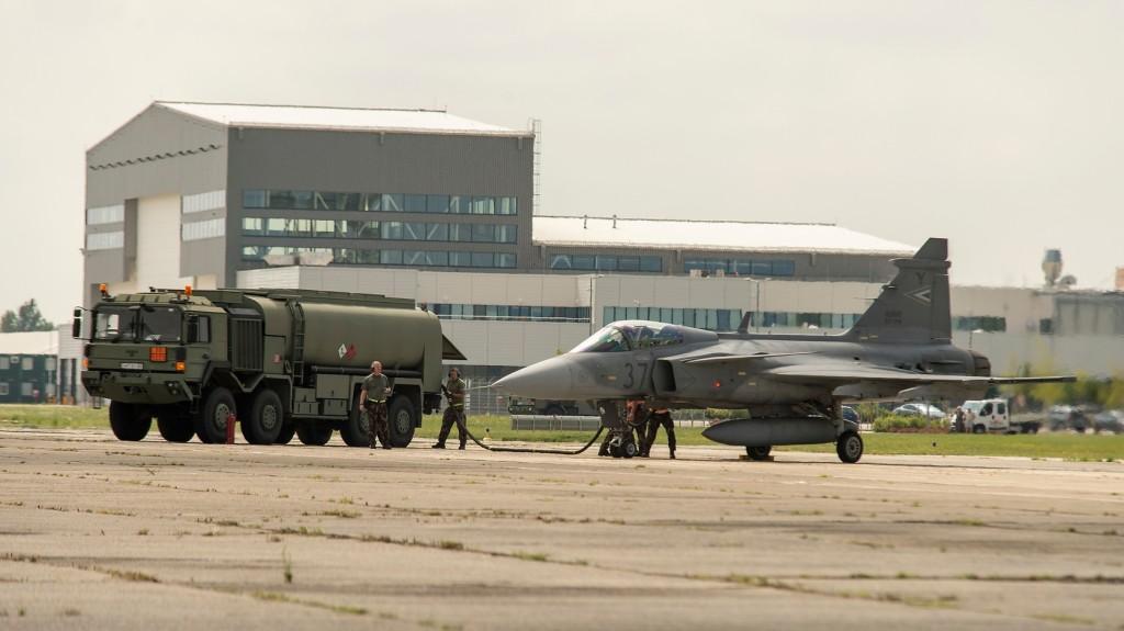 Kézifegyverekkel és a légierővel folytatódik a haderőfejlesztés