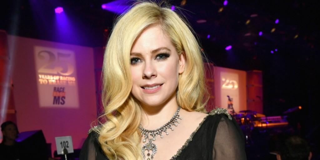 Avril Lavigne betegsége miatt két éven át alig tudott felkelni az ágyából