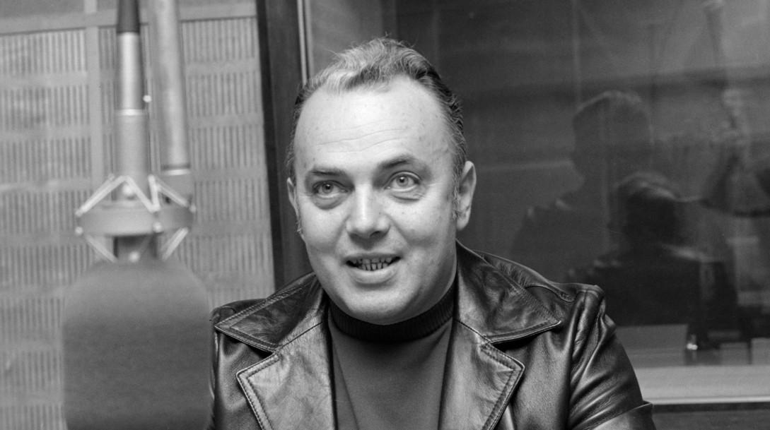 Bőzsöny Ferenc, rádióbemondó híreket olvas a Magyar Rádió stúdiójában Budapesten, 1979. december 17-én (Fotó: MTI/Hámor Szabolcs)