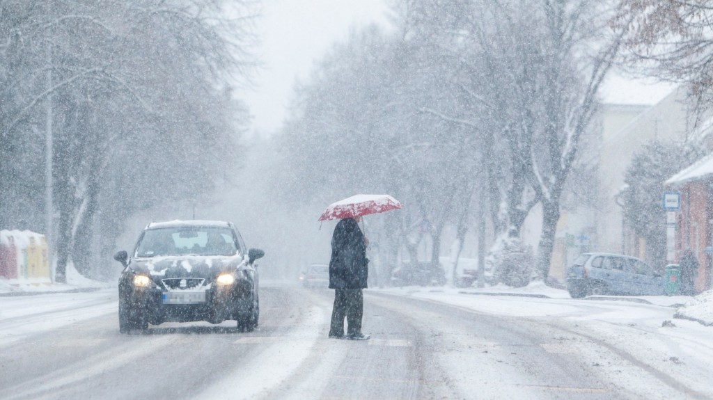 Az ország több pontján is havazik