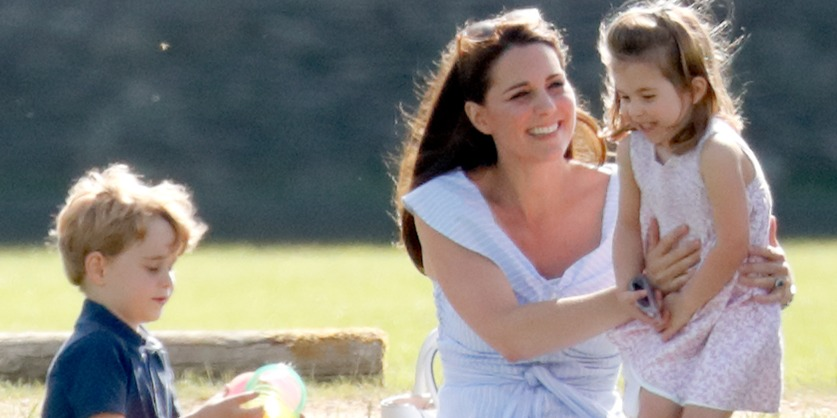 Végre közös fotón Katalin hercegné és Vilmos herceg mindhárom gyermeke