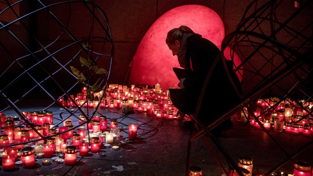 Kukába kerültek a cseh államfő és kormányfő csokrai