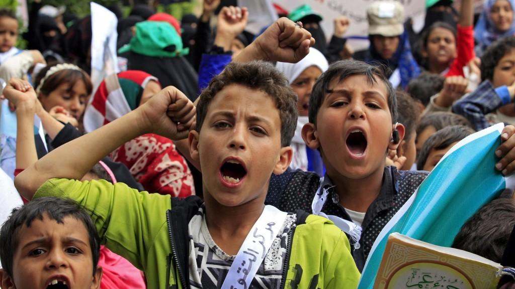 Több tízezer gyerek halt már éhen Jemenben