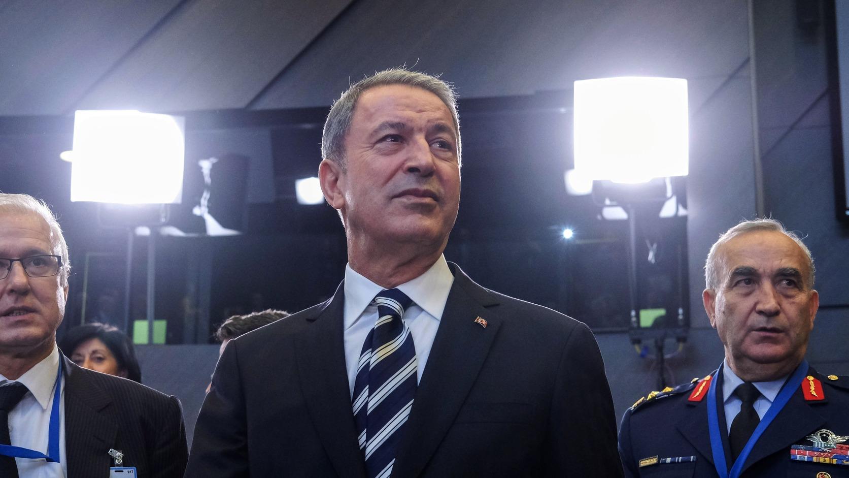 Hulusi Akar török védelmi miniszter (Fotó: MTI/EPA/Olivier Hoslet)