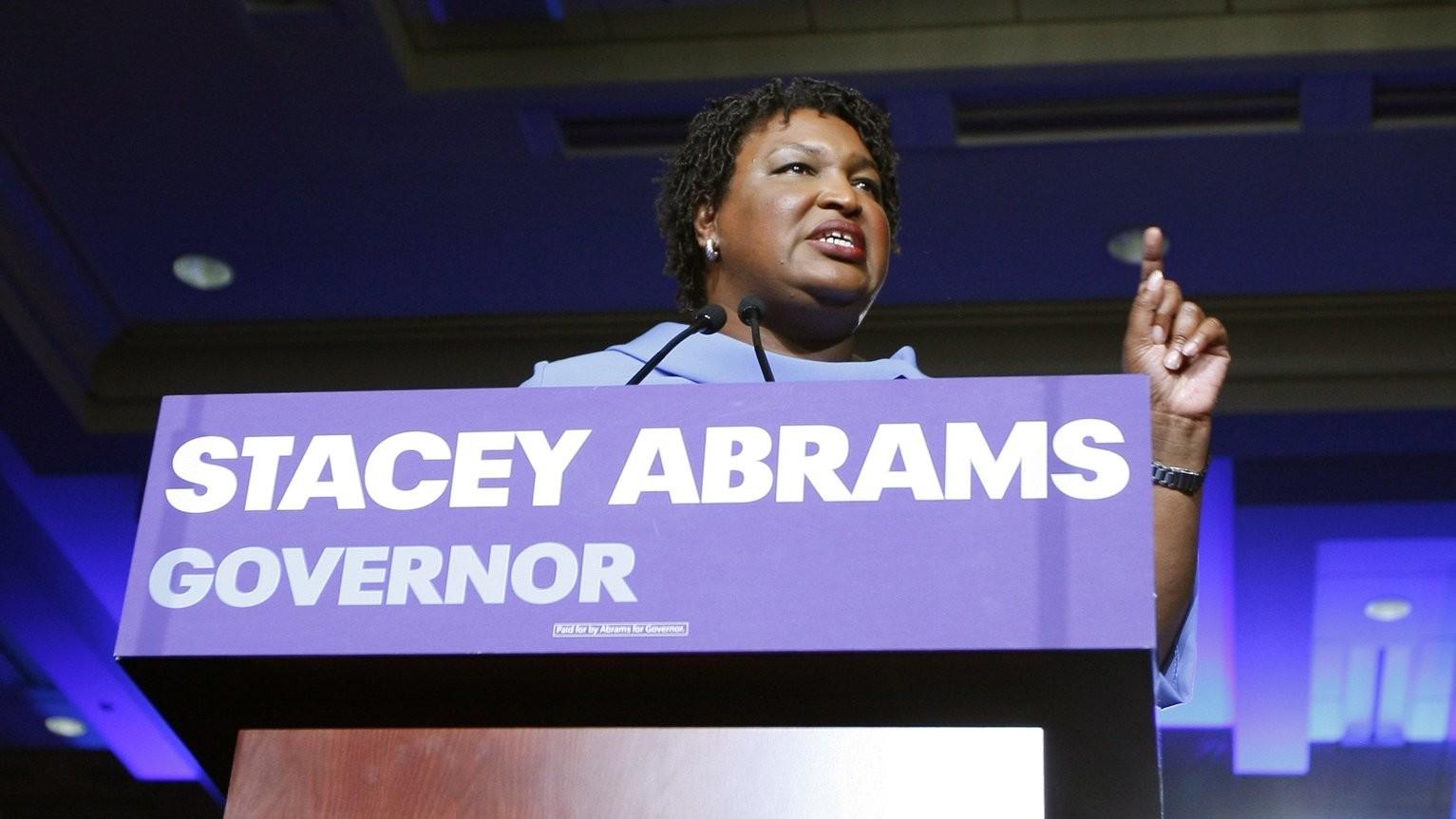 Stacey Abrams, az első fekete nő, akit kormányzónak jelöltek Georgiában (Fotó: MTI/EPA/Tami Chapell)