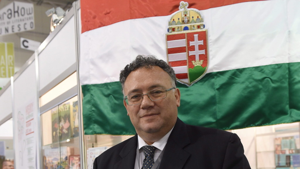 Mégsem kérette be Kijev a magyar nagykövetet