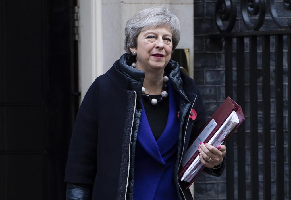 Nem nyílt ki a brit kormányfőt szállító autó ajtaja - VIDEÓ