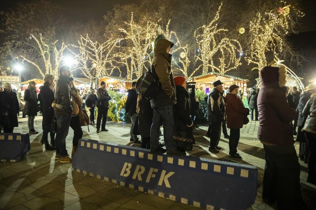 A kormány megerősíti a karácsonyi vásárok védelmét