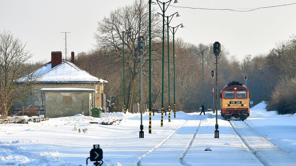 Több vasútvonalon késnek a vonatok