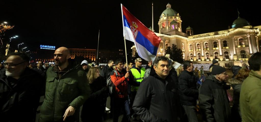 Ismét ezrek tüntettek a szerb elnök ellen Belgrádban