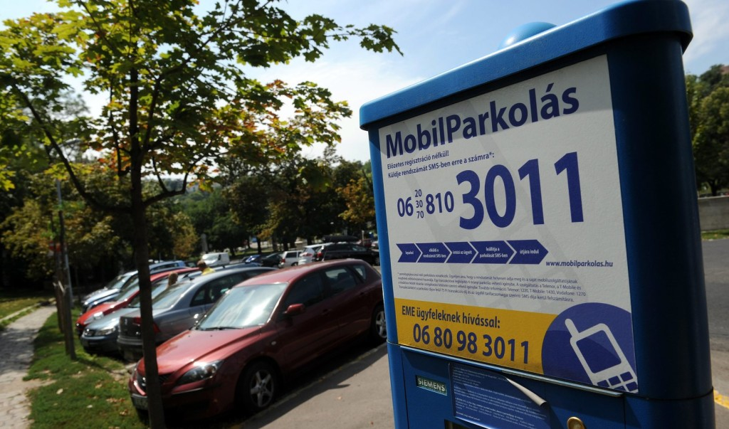 Határozatlan ideig Magyarország területén sehol sem kell fizetni a parkolásért