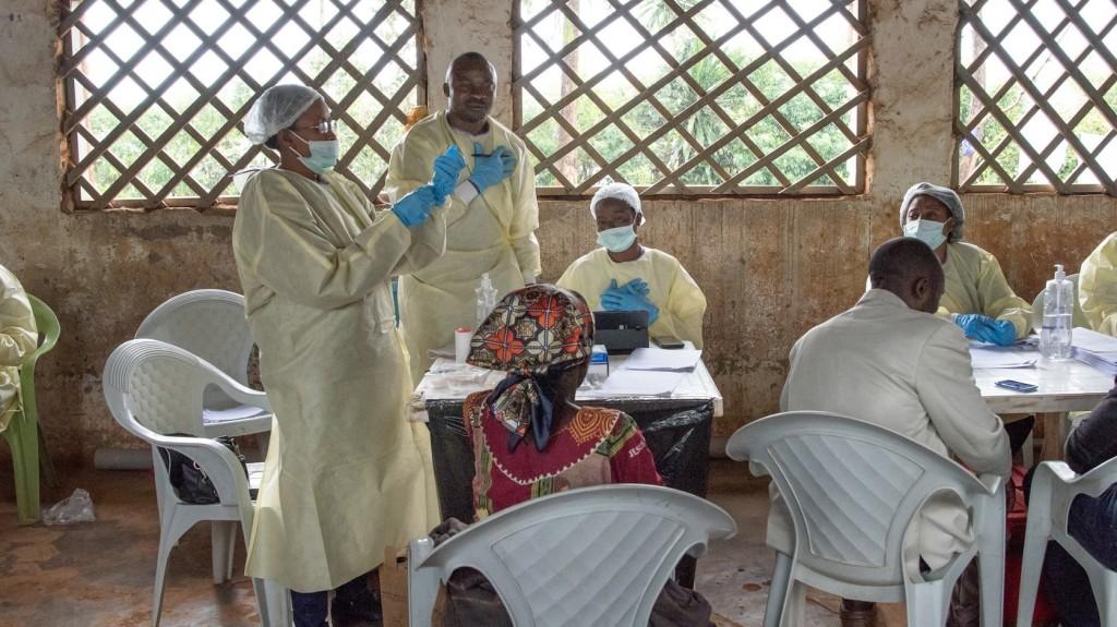 Megtámadtak egy ebolás betegekkel foglalkozó központot Kongóban