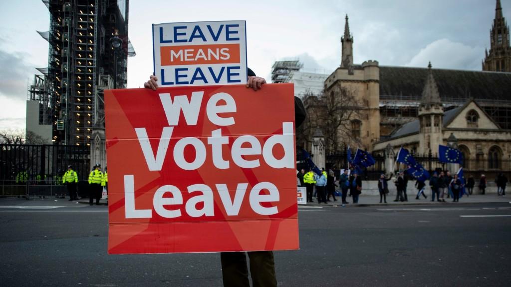 Nem ment el szülni egy brit képviselőnő a brexitszavazás miatt
