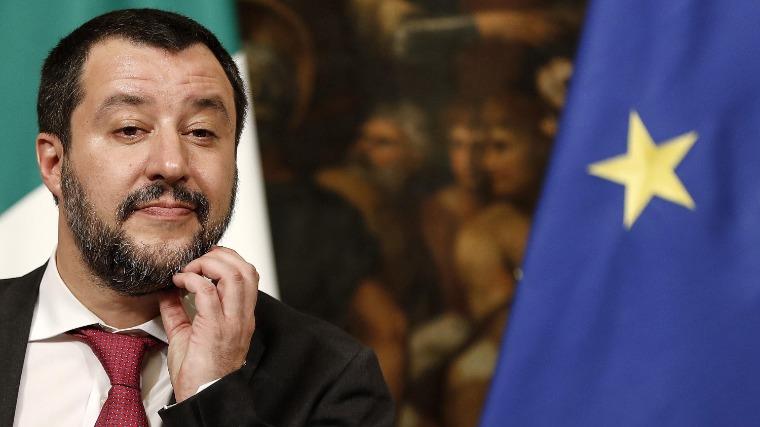 Nem vonják meg a mentelmi jogot Matteo Salvinitől