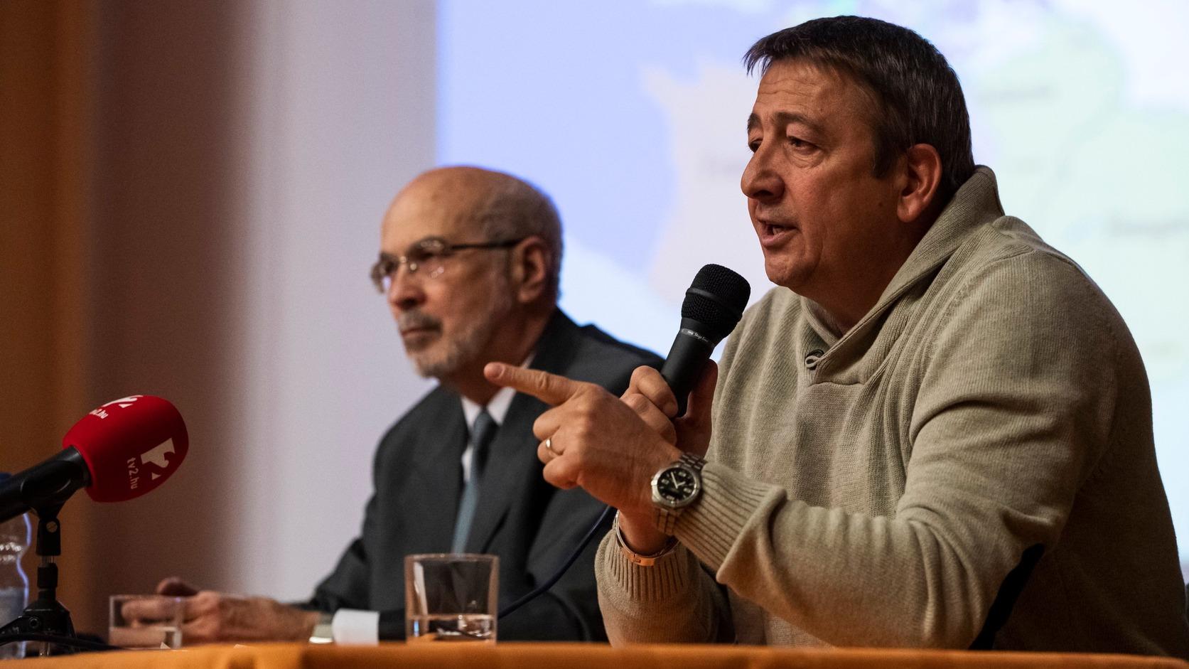 Budapest, 2019. január 23. Bayer Zsolt publicista előadást tart az Európai esték a XV. kerületben című sorozat rendezvényén a Hubay zeneiskolában 2019. január 23-án. MTI/Mónus Márton