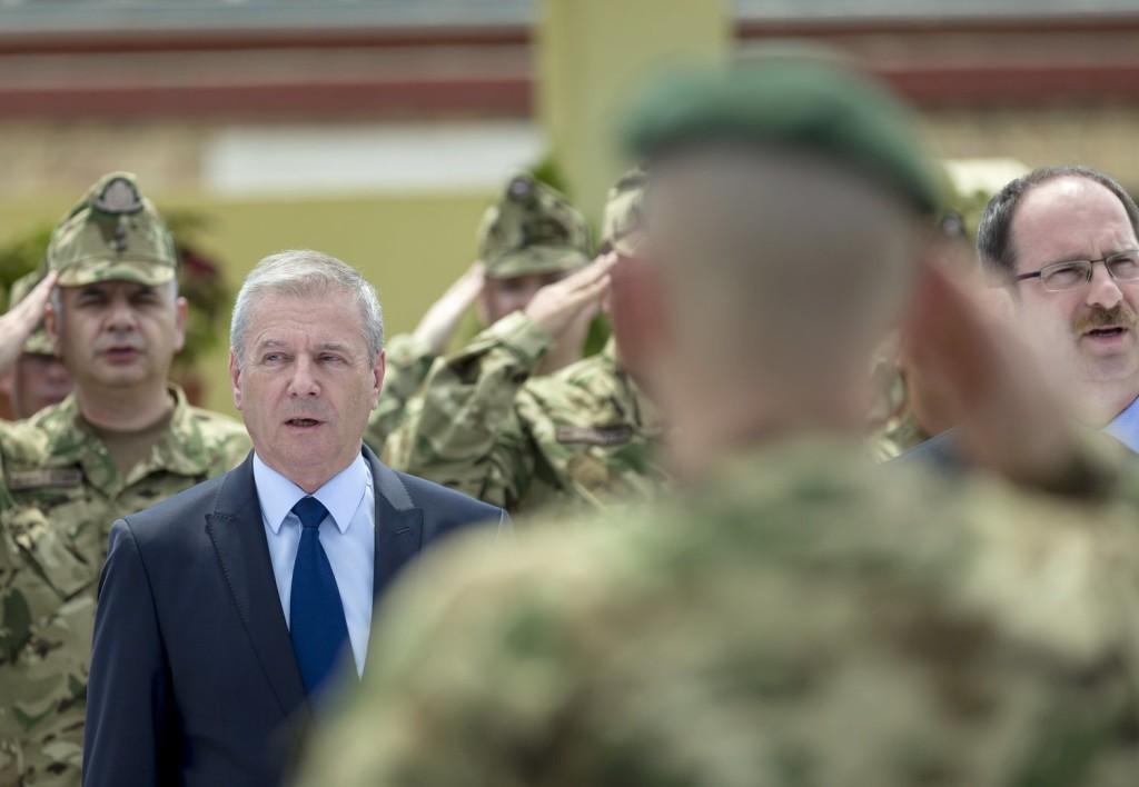Benkő: A honvédséget katonának kell vezetnie, nem politikusnak