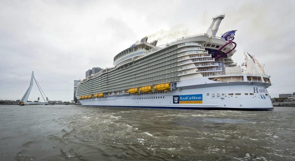 Veszélyes szelfi miatt örökre kizártak két utast a Royal Caribbean hajóiról