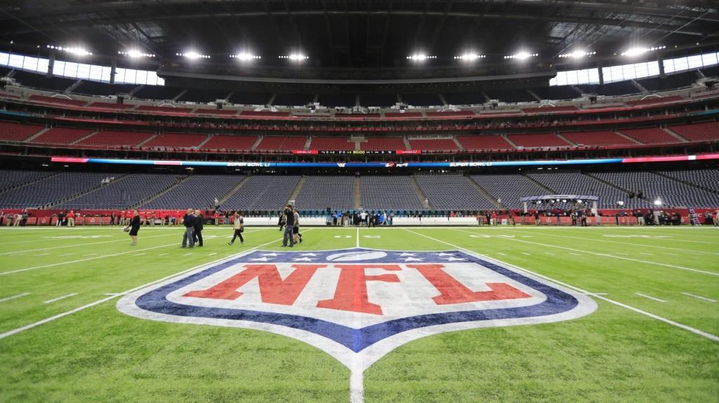 Gladys Knight énekli az amerikai himnuszt a Super Bowlon
