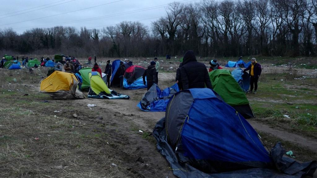 Újra kezd megtelni a Calais melletti dzsungel