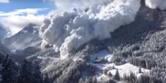 Így pusztít egy igazán nagy lavina - VIDEÓ
