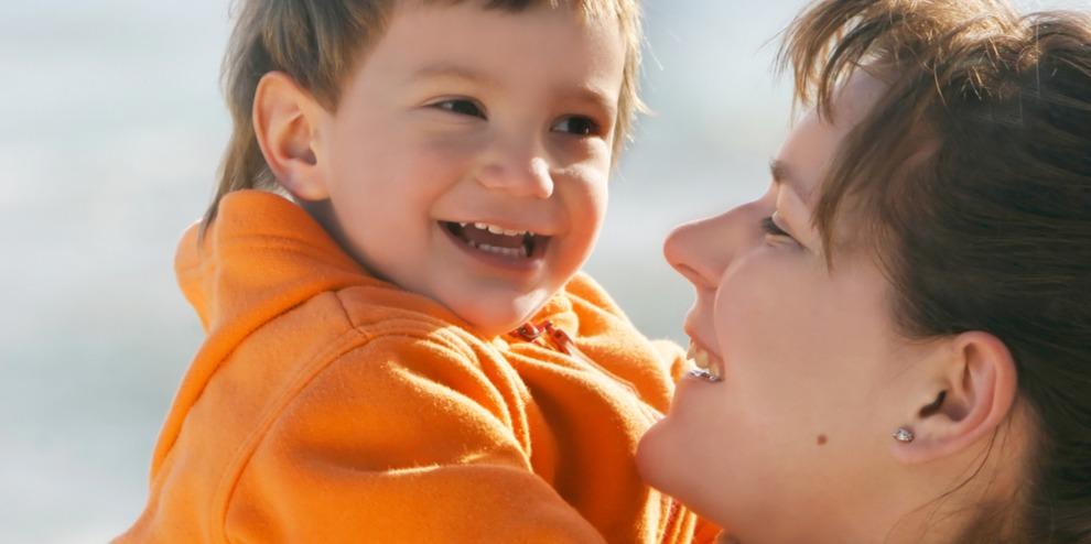 Egyre több fiatal vállal nevelőszülői feladatokat