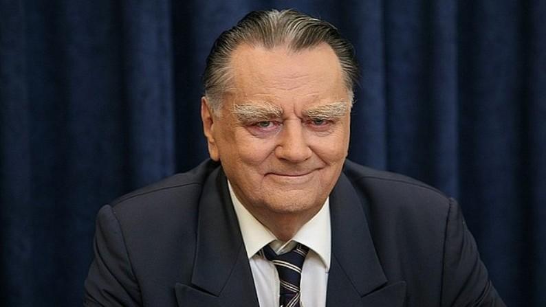 Tömegek kísérték utolsó útjára Jan Olszewski egykori lengyel kormányfőt