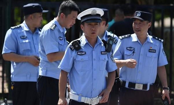Autós hajtott járókelők közé Kínában, többen meghaltak